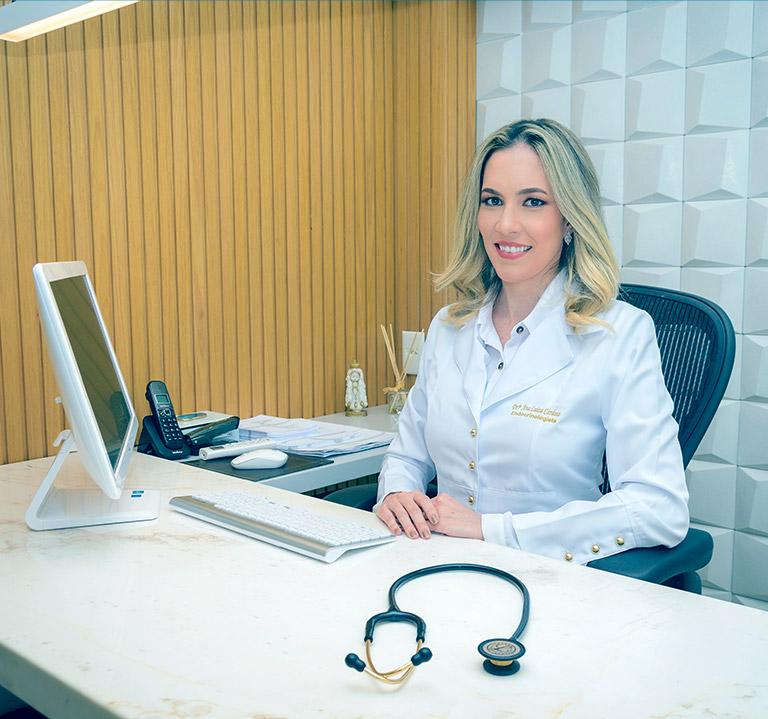 Dra. Ana Luiza Cardoso, especialista em endocrinologia